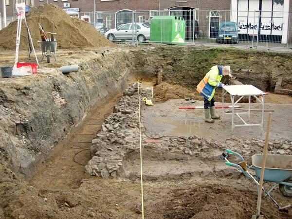 Oudste stenen gebouw van Nederland (c) Nico van Hoorn