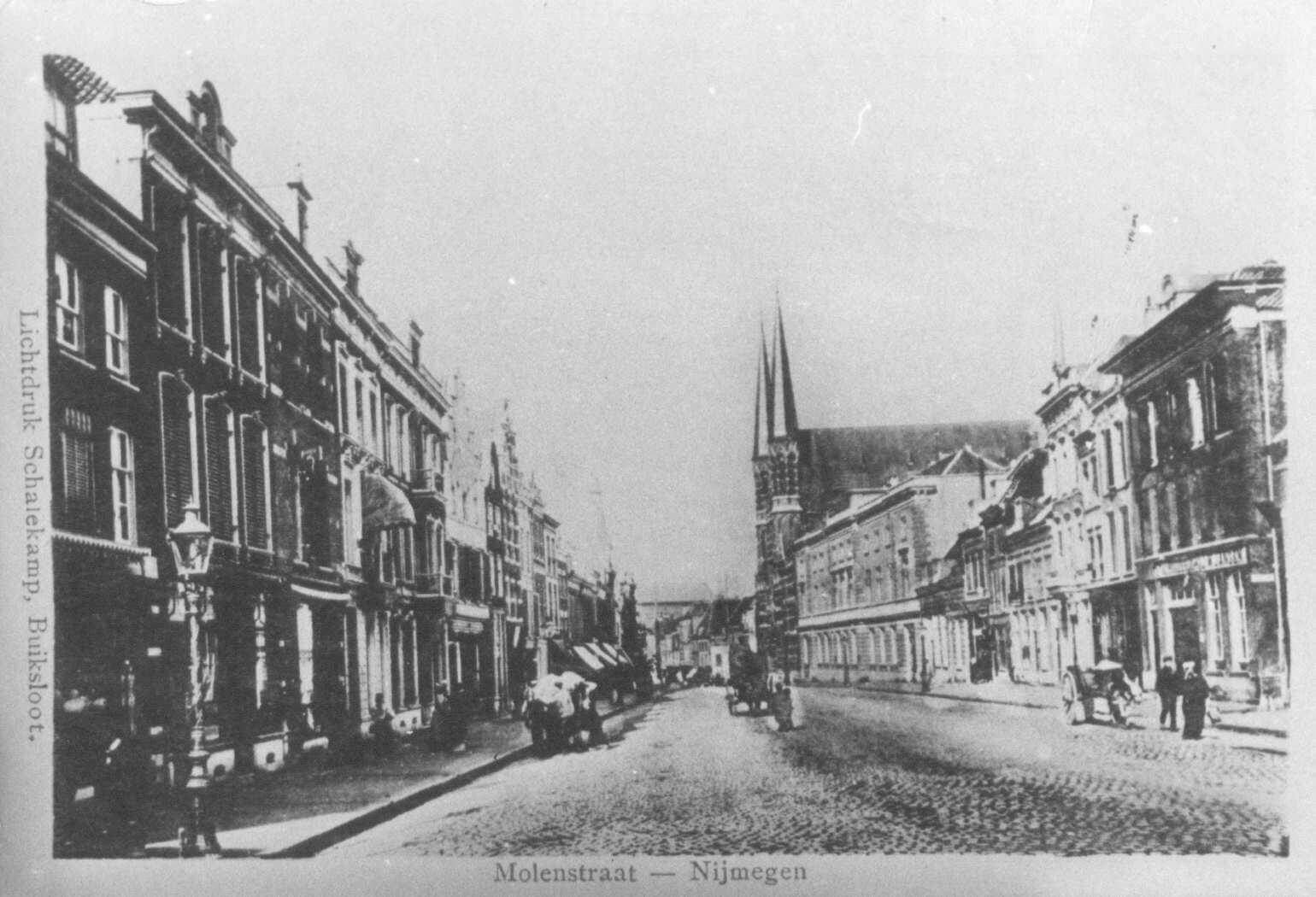Molenstraat r. centrum in 1895 (RAN,