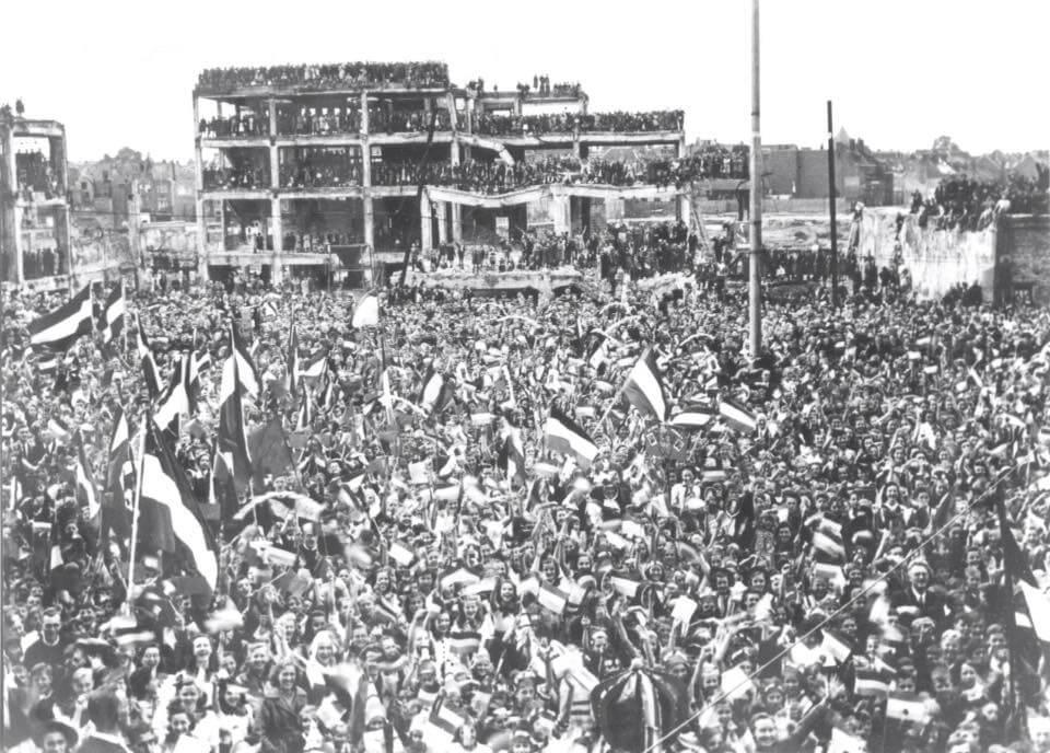 Bevrijdingsdag 5 mei1945  Grote Markt